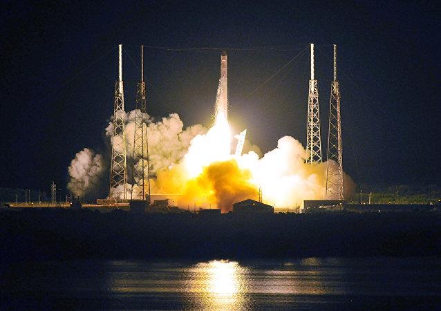 Lanzamiento del cohete Falcón 9 (archivo)