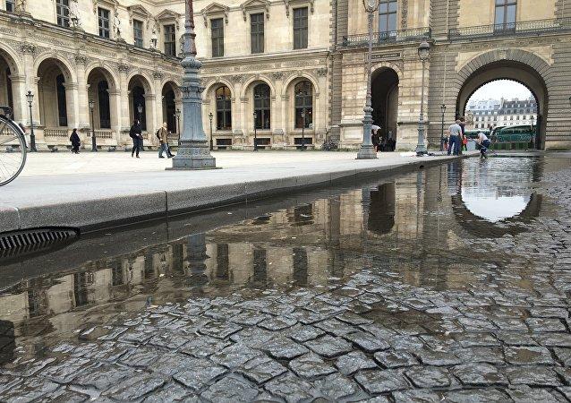 La inundación en el Louvre