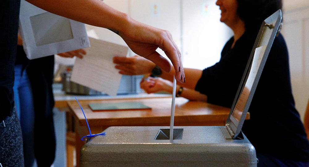Votación en un referendum (imagen referencial)