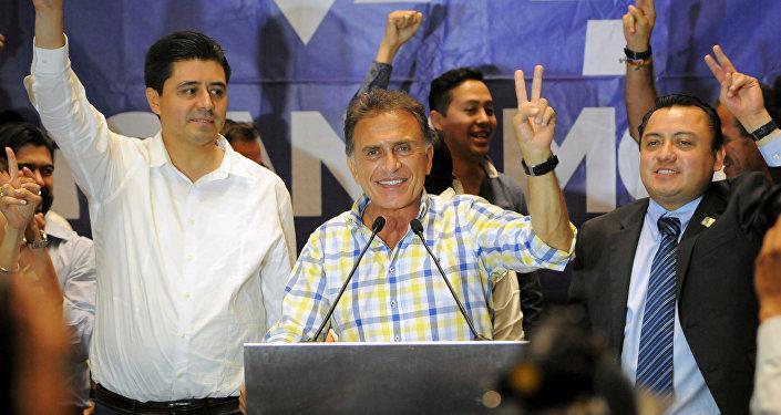Miguel Ángel Yunes Linares, el candidato opositor de la coalición de los partidos Acción Nacional a gobernador de Veracruz