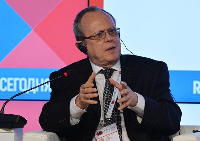 Fran William La Rue, el subdirector general de la UNESCO para comunicaciones e información
