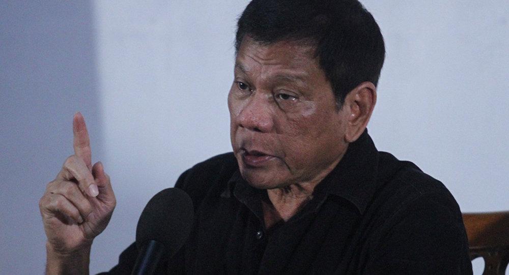 El nuevo presidente de Filipinas, Rodrigo Duterte, durante la rueda de prensa en Davao