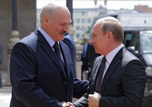 Alexandr Lukashenko, presidente de Bielorrusia, y Vladímir Putin, presidente de Rusia