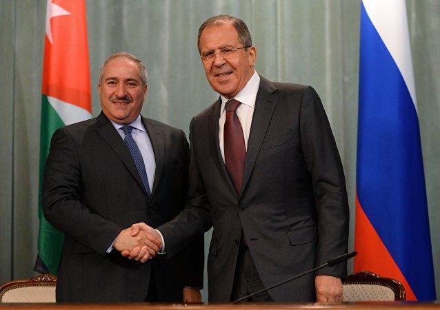 El encuentro del ministro de Exteriores de Rusia,  Serguéi Lavrov, con su homólogo jordano, Naser Judeh