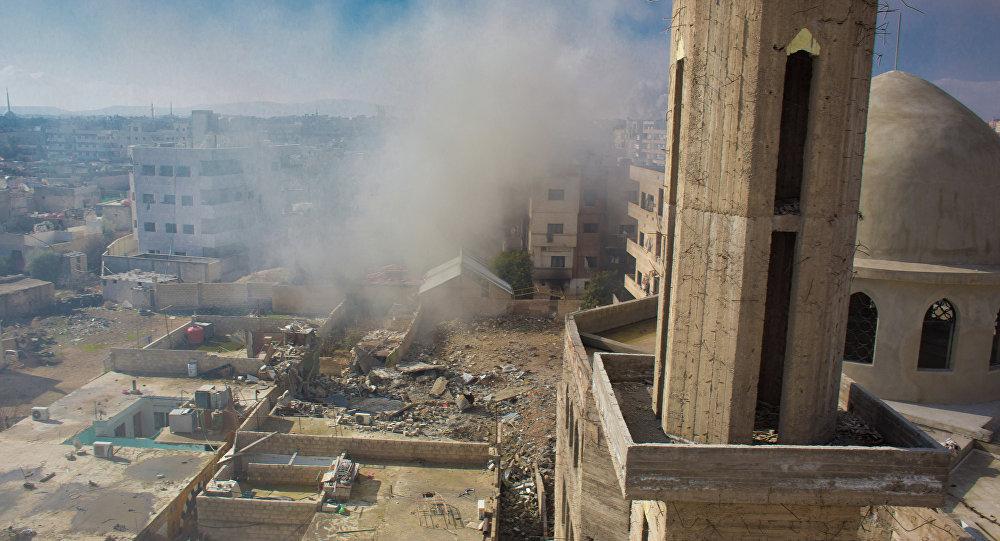 Вид на территорию, занятую боевиками Свободной армии Сирии, в городе Дарайя