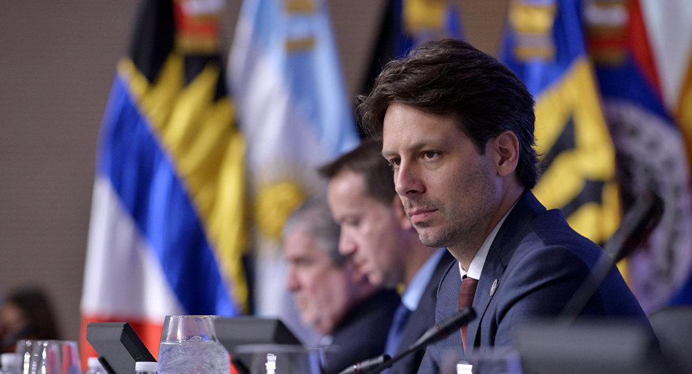 Guillaume Long, canciller de Ecuador