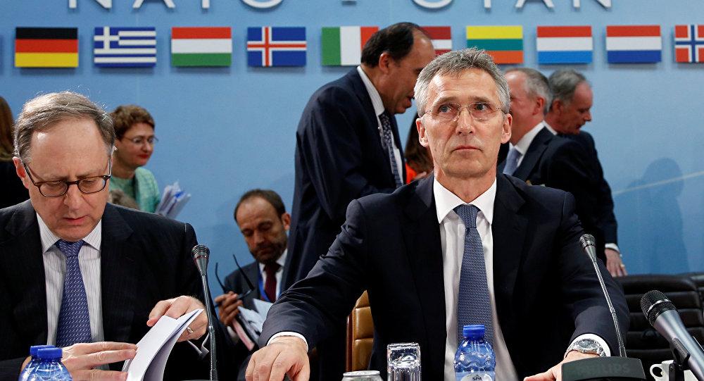 Jens Stoltenberg, secretario general de la OTAN, durante la reunion de los ministros de defensa