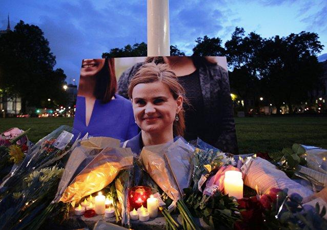 La gente rinde homenaje a Jo Cox, la diputada laborista británica