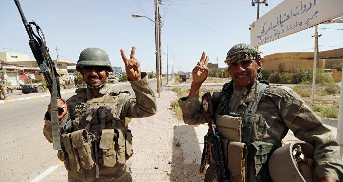 Militares iraquíes en el centro de la ciudad de Faluya