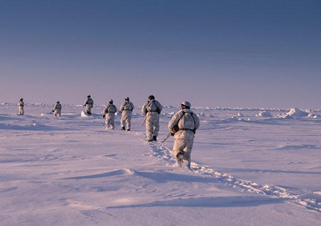 Los militares rusos en el Ártico