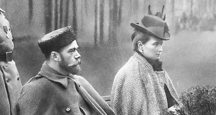El emperador ruso Nicolás II con su esposa Aleksandra