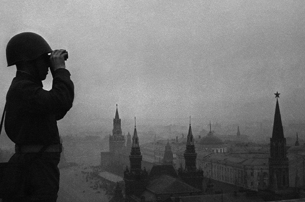 Vigilando el cielo de Moscú. Agosto de 1941