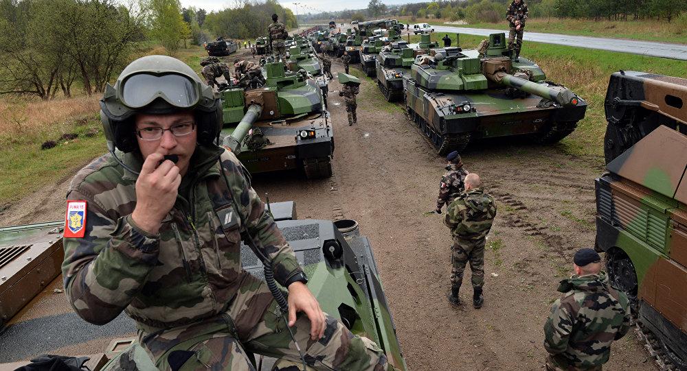 Soldados franceses en Polonia (archivo)