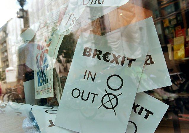 Cartel del Brexit en Berlín, Alemania (archivo)