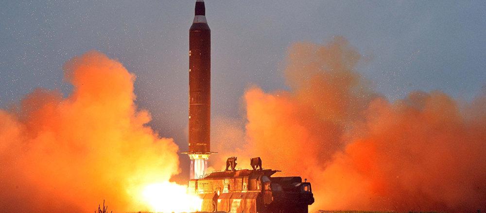Lanzamiento del misil balístico Hwasong-10 por Corea del Norte