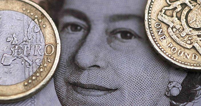 Libras esterlinas y euros