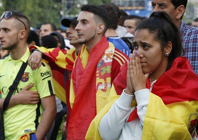 Hinchas españoles durante el partido con Italia