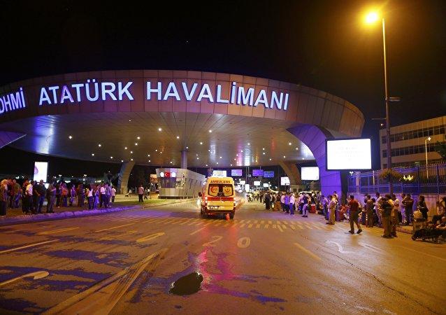 Aeropuerto Ataturk en Estambul tras el atentado