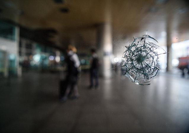 Impacto de una bala en el aeropuerto Ataturk