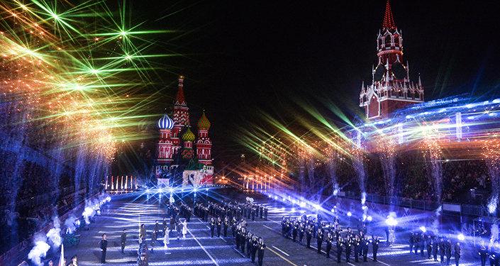 Ceremonia de clausura del Festival Internacional de Música Militar Spasskaya Bashnya