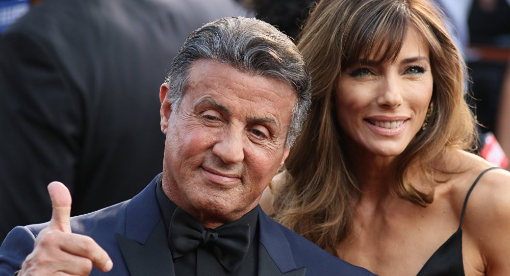 El actor, Sylvester Stallone, y su esposa, Jennifer Flavin