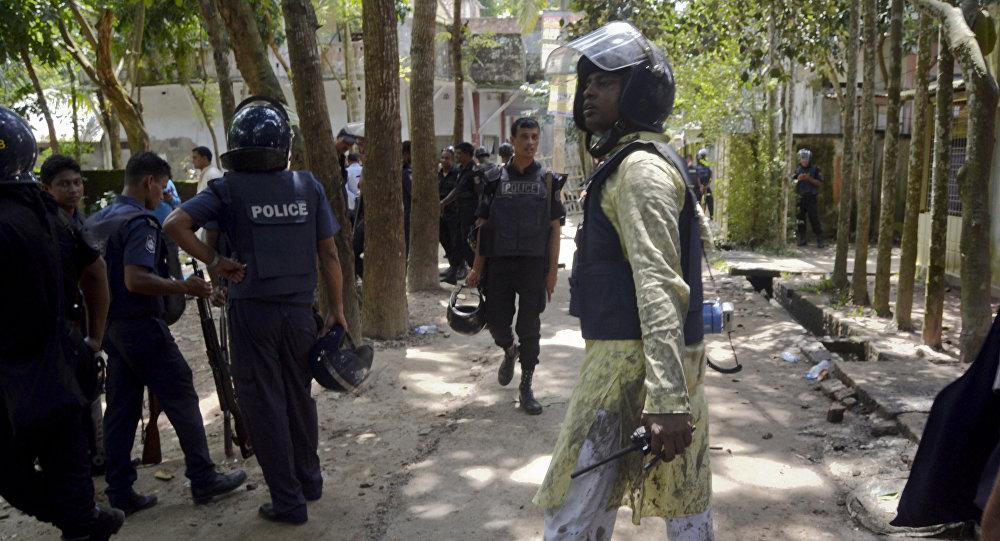 Policías de Bangladés