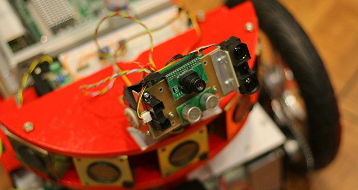 Un robot con cámara