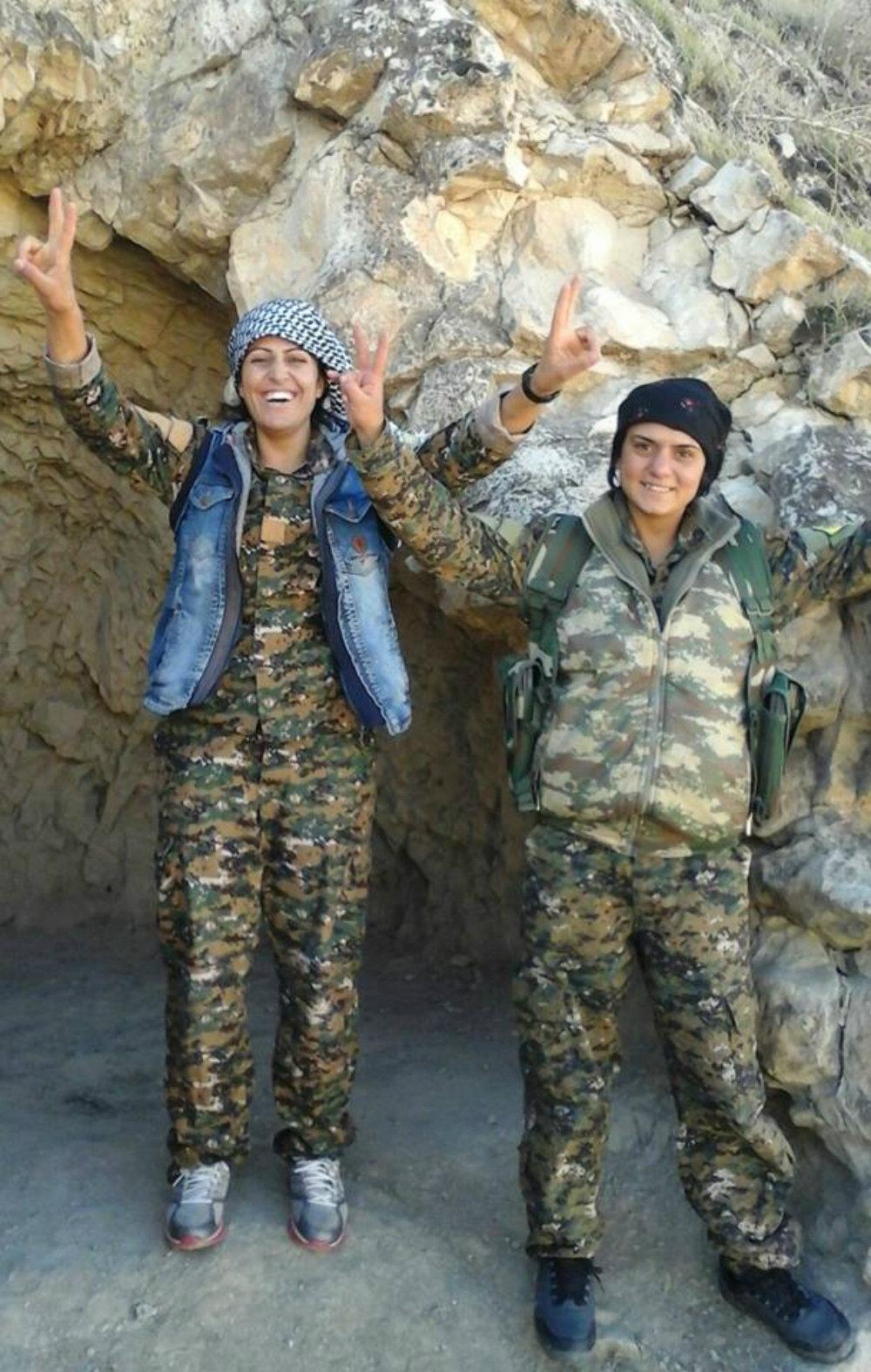 Miembros de la brigada de mujeres yazidíes que luchan contra Daesh en Irak