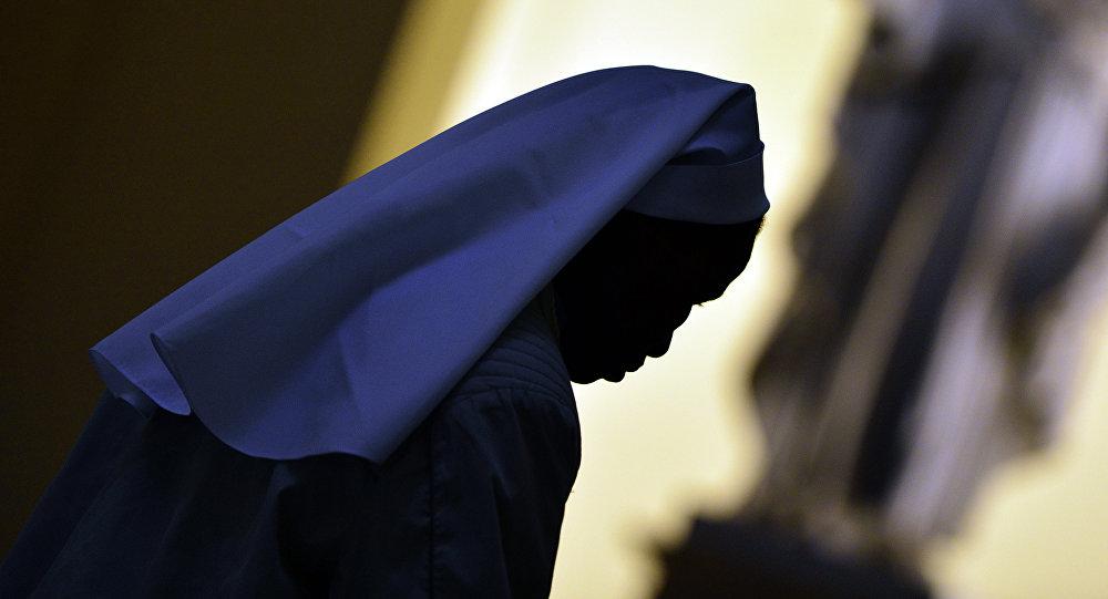 Una monja católica, imagen referencial