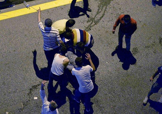 Un herido tras el intento de golpe de Estado en Ankara