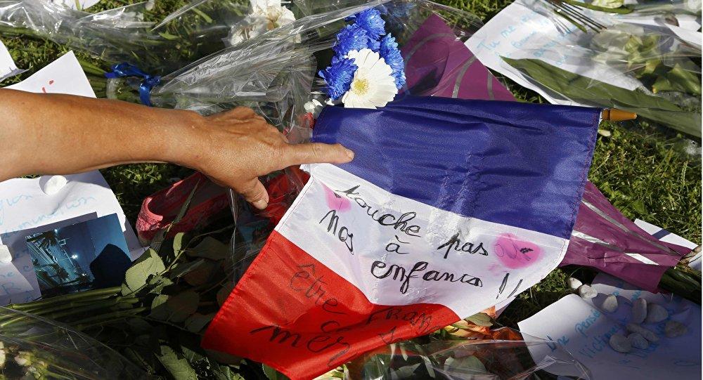 La ofrenda floral en Niza tras el atentado del 14 de julio