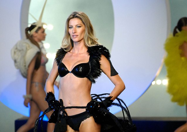 Brazilian top model Gisele Bundchen presents underware as she launches her own brand, Gisele Bundchen Intimate, in Sao Paulo, Brazil, on May 12, 2011.