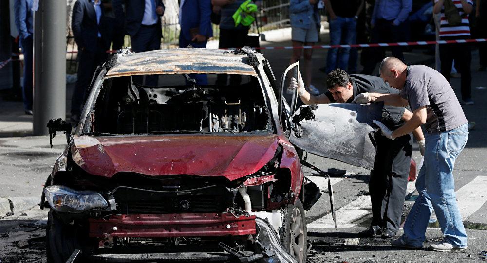 El coche del periodista ruso Pável Sheremet