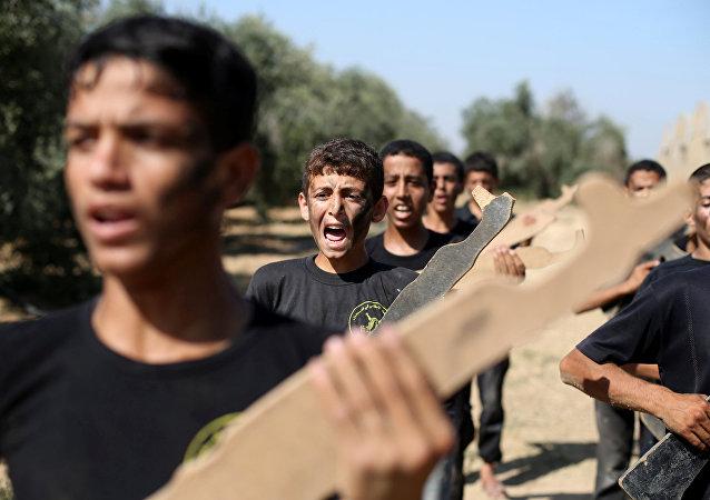 Escuela de combatientes en Palestina