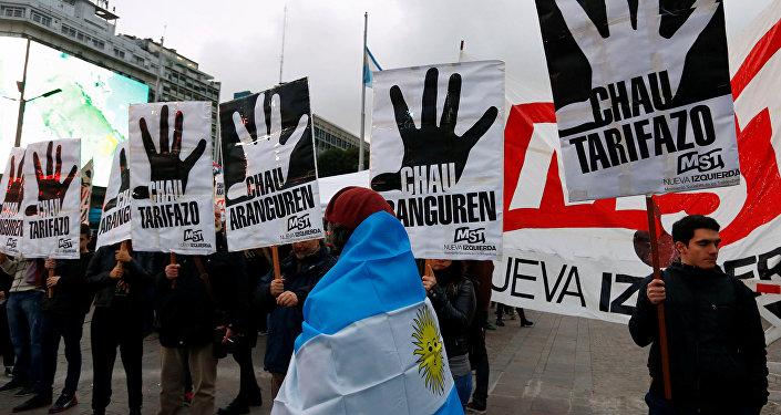 Protesta en Argentina contra el aumento de precios de gas