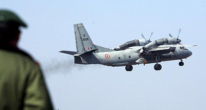 Un avión An-32 de la Fuerza Aérea de la India en despegue (archivo)