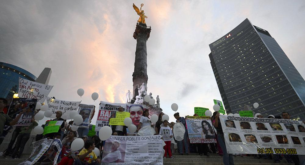 Familiares de 13 jóvenes secuestrados del bar Heaven en la ciudad de México