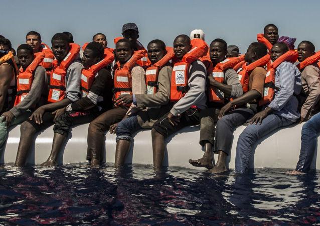 Migrantes en el mar Mediterráneo