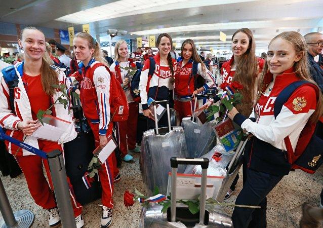La primera delegación olímpica de Rusia parte a Río de Janeiro