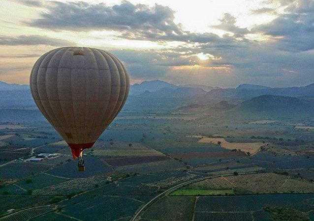 Jalisco brinda la experiencia de volar en globo sobre paisaje agavero
