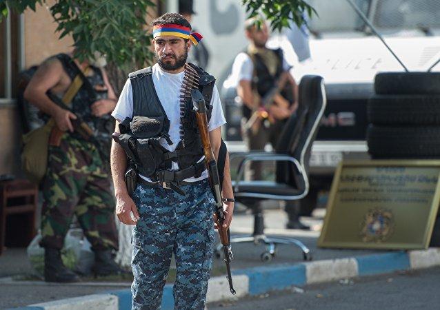 Los miembros del grupo que atacó el cuartel policial en Ereván