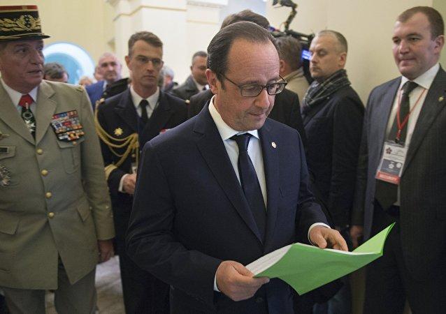 Presidente de Francia François Hollande en Ereván, 24 de abril 2015