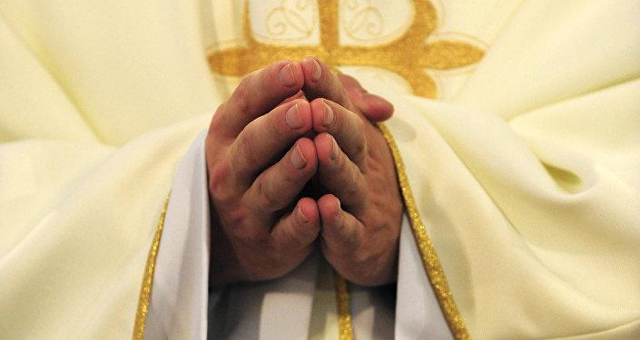 Diácono católico (imagen referencial)
