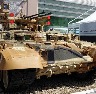 Terminator en la exposición de IDEX 2013 en Abu Dhabi, EAU