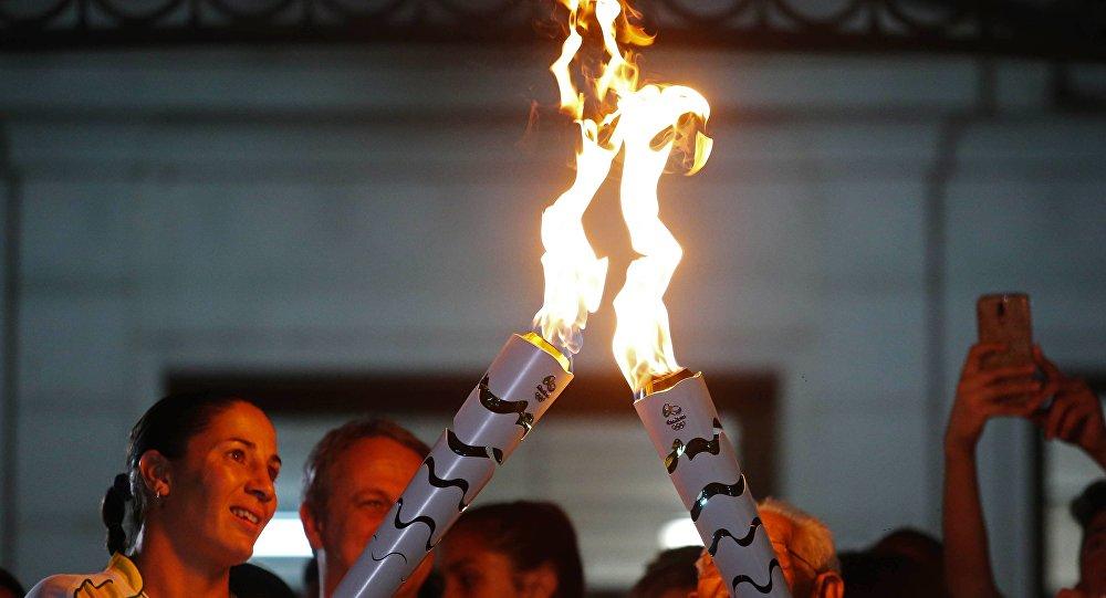 Antorcha olímpica llega al famoso Cristo de Río