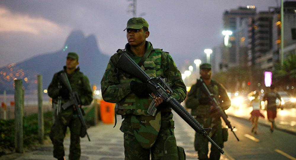 Soldados brasileños en Río de Janeiro, archivo