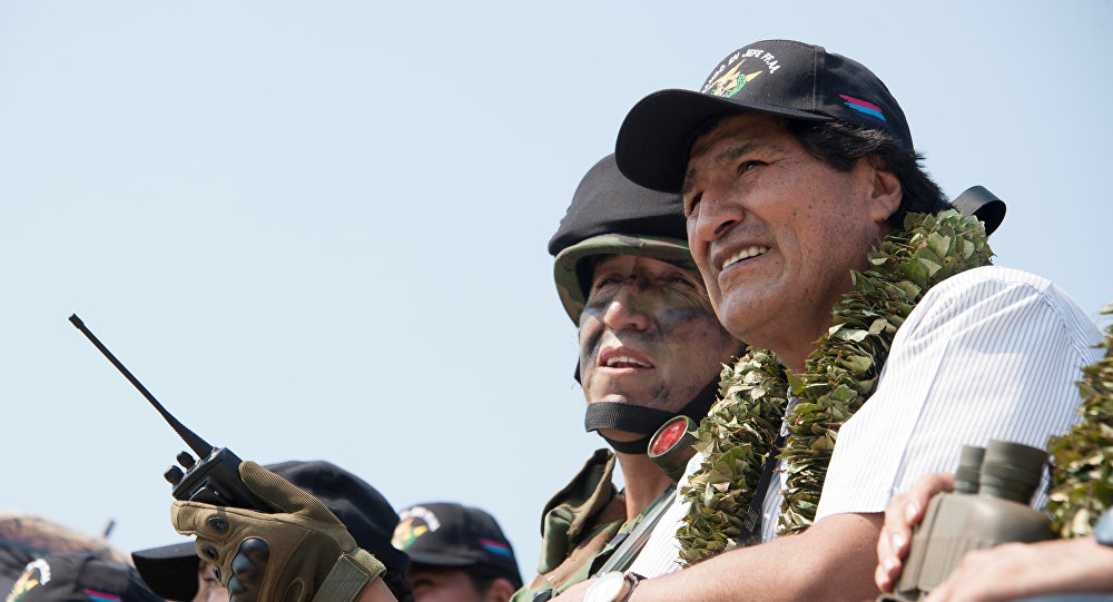 Presidente Morales participa de ejercicios militares en zona tropical de Bolivia