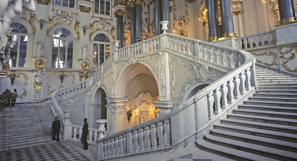 La escalera principal del Palacio de Invierno