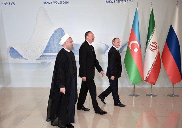 Los presidentes Hasán Rohani, Ilham Aliyev y Vladímir Putin (archivo)