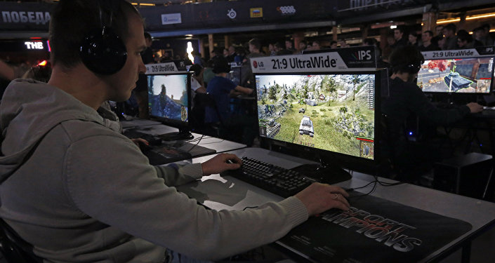 Jugador en las competiciones de World of Tanks, San Petersburgo, 2015